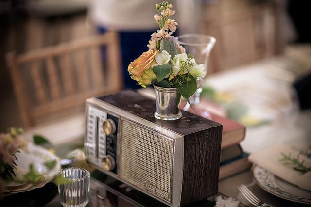 Vintage Beach Wedding | Hayne Photographers & Antonia Christianson Events | Oh Lovely Day