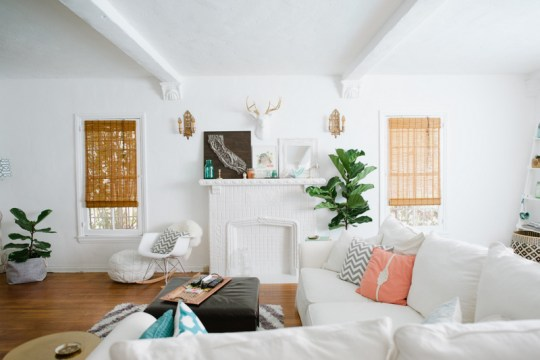 Chandra Fredrick's Home Tour   Living Room Inspiration   Photos by Hazelnut Photo   Click through to see more and get sources here: http://www.ohlovelyday.com/2014/04/home-tour-living-room.html