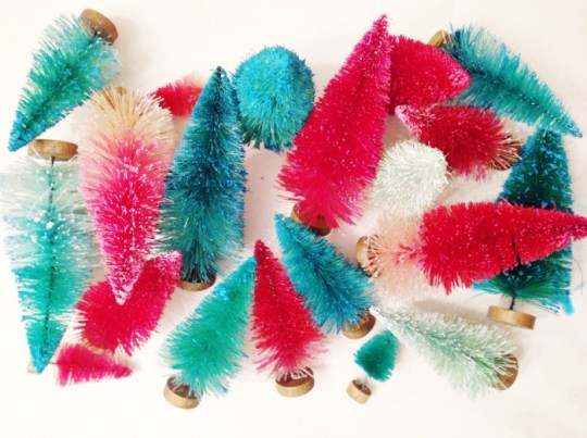 How To Make Colorful Bottle Brush Trees | Dip Dye Trees | Oh Lovely Day