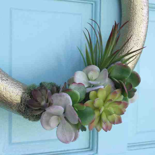 DIY  //  FAUX SUCCULENT WREATH