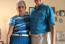 Grandparents matching clothes