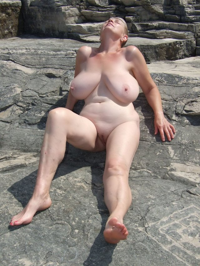 outdoor naked milf s