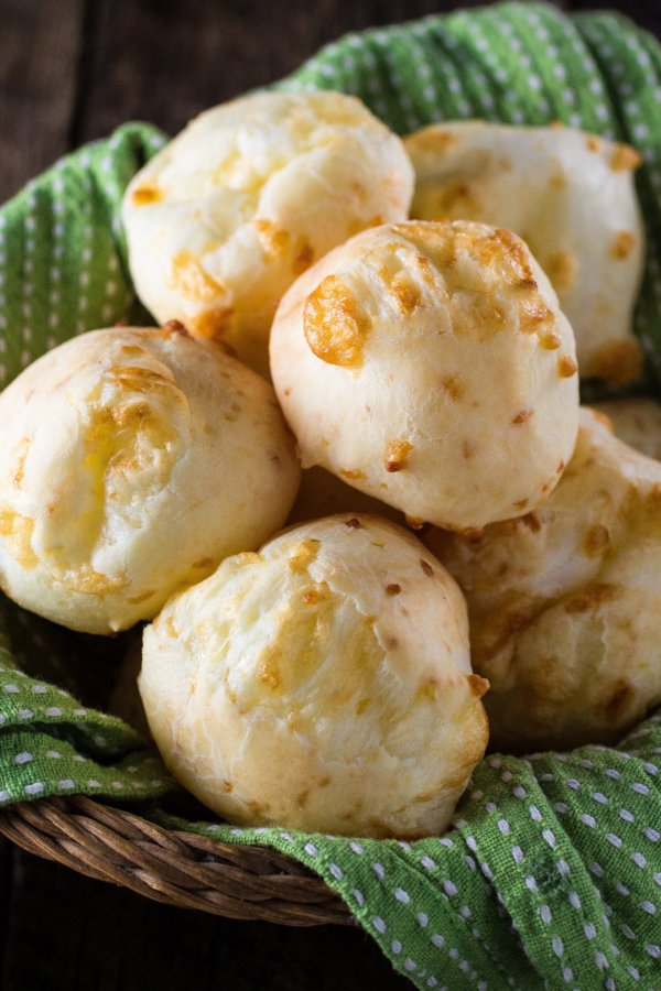 Authentic Brazilian Cheese Bread (Pão de Queijo) | www.oliviascuisine ...