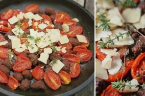 Gebackene Tomaten mit Merguez Bällchen aus dem Ofen mit Parmesan