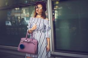 #MFW SS17 – un vestito a righe e una borsa rosa