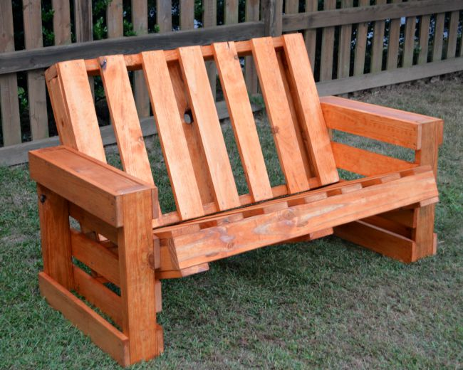 Build A Pallet Bench: Part 2 - One Artsy Mama