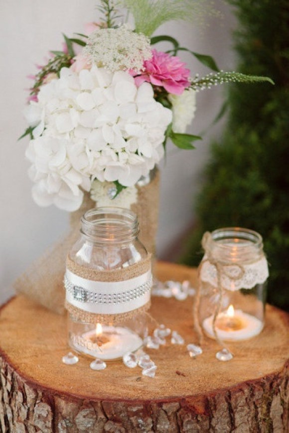 lace-burlap-centerpiece-2