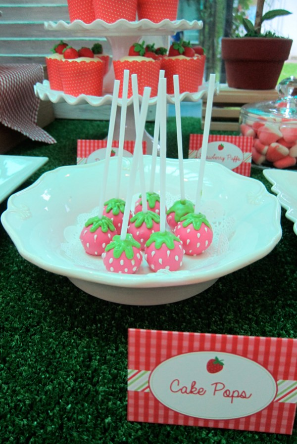 Strawberry-Garden-Party-Theme_24