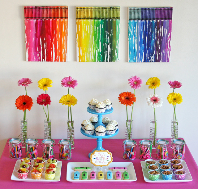 Rainbow-Art-Dessert Table