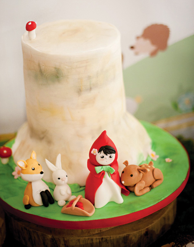 little-red-riding-hood-cake