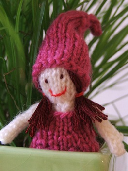 Knitted Pocket Doll: Free Pattern