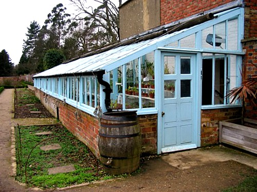 Greenhouse Down House in Greater London