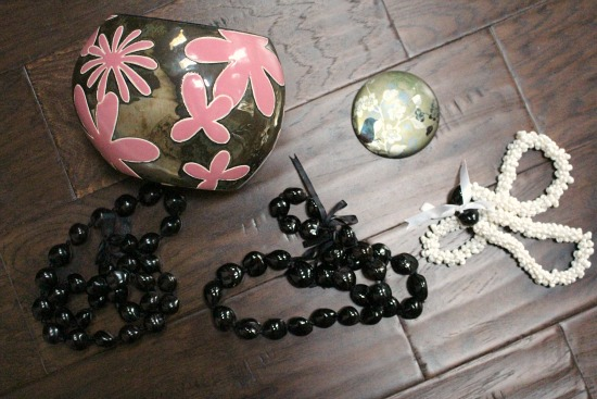 black nut beads hawaii