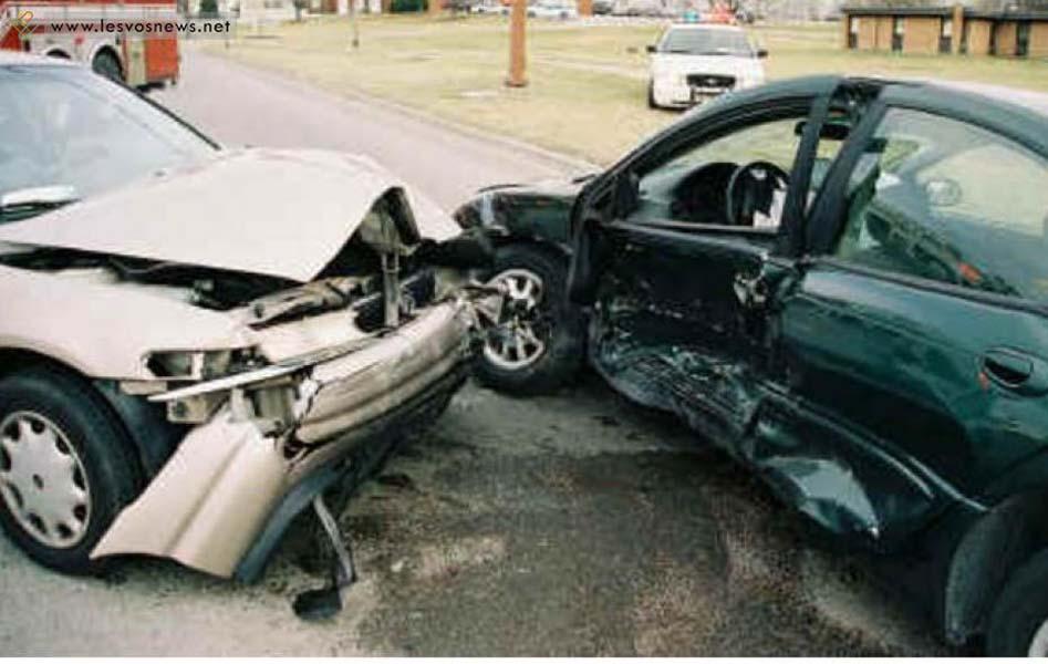 Και δεύτερο τροχαίο στη Λάρισα- Σοβαρά ο οδηγός του ενός αυτοκίνητου στη Νέα Πολιτεία