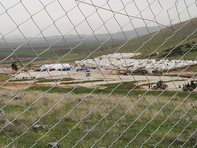 Μετανάστες στο Κουτσόχερο επιτέθηκαν σε αστυνομικούς με πέτρες, ξύλα και σίδερα!