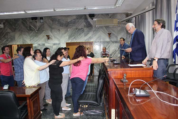 Στην δουλειά μετά από αναμονή 6 χρόνων 17 υπάλληλοι του δήμου Λαρισαίων - Ορκίστηκαν σήμερα