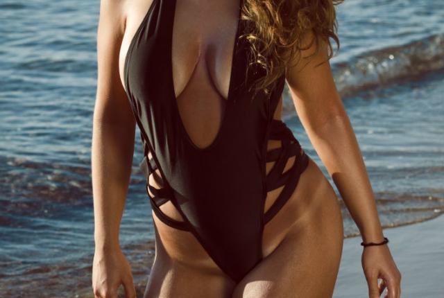 """Ποια Ελληνίδα μοντέλο είπε: """"Αφήνω τους άνδρες να ...τελειώνουν στο στόμα μου"""""""
