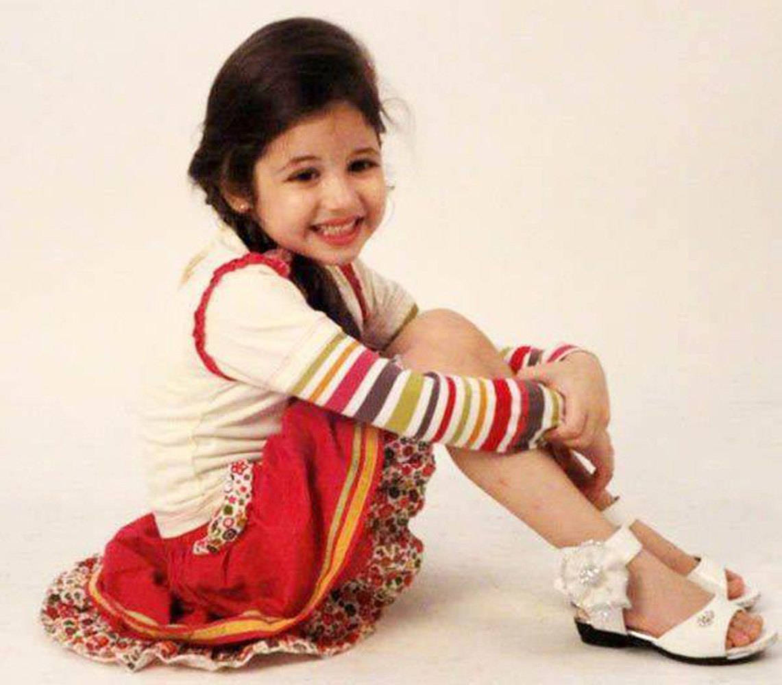 Cute Baby Girl Child Wallpaper Bajrangi Bhaijaan Fame Harshaali Malhotra Stills