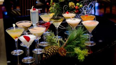 Top 15 Christmas Cocktails & Fun Drinks With Recipe