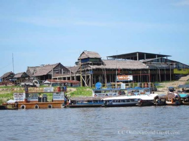 Speedboats to the Amazon jungle from Iquito's shore