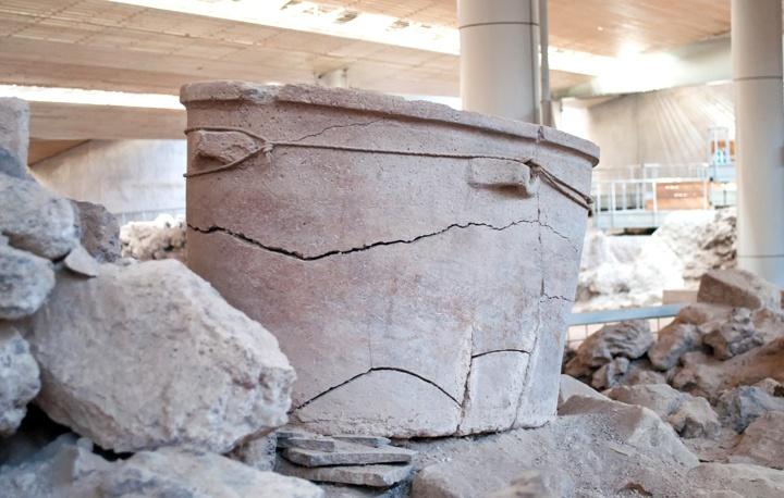 Akrotiri bathtub
