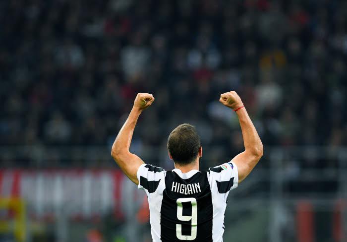 Serie A : Higuain crucifie Naples et relance la Juve pour le titre