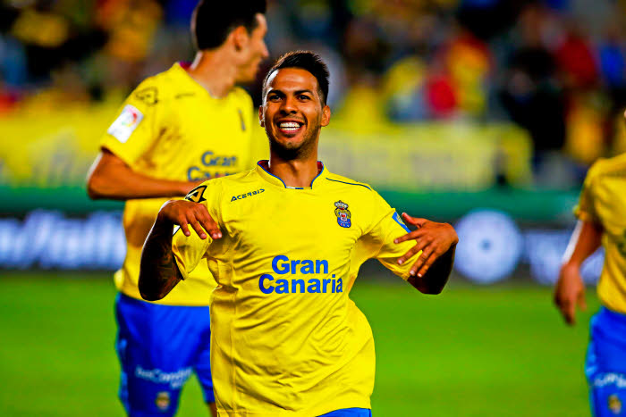 Officiel - Jonathan Viera file en Chine