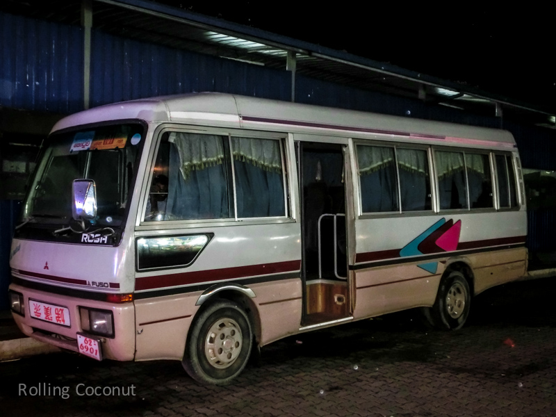 Galle Colombo van to Airport ooaworld Rolling Coconut Photo Ooaworld