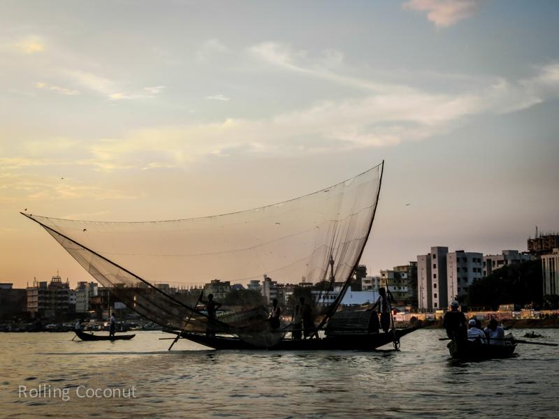 Bangladesh Dhaka Sadarghat Buriganga River fishing ooaworld Rolling Coconut Photo Ooaworld