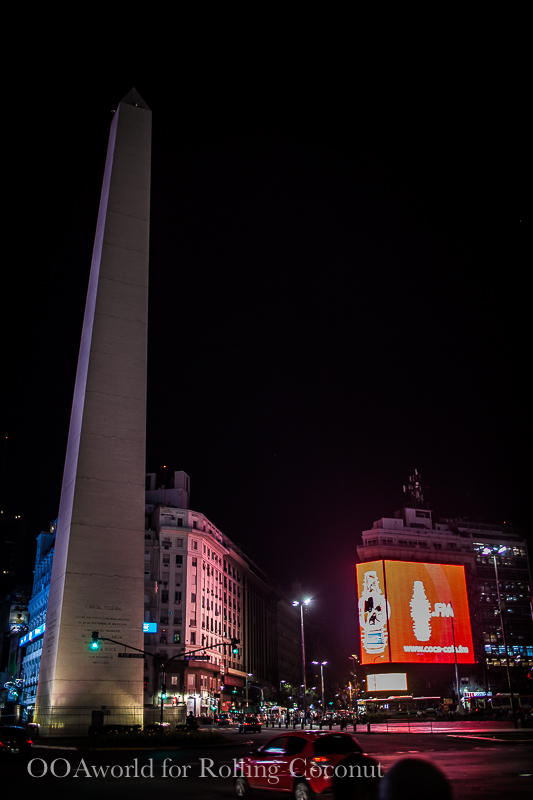 Argentina Buenos Aires Obelisco at night Rolling Coconut OOAworld Photo Ooaworld
