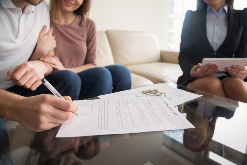 What is the difference between a rental agreement and a lease agreement?