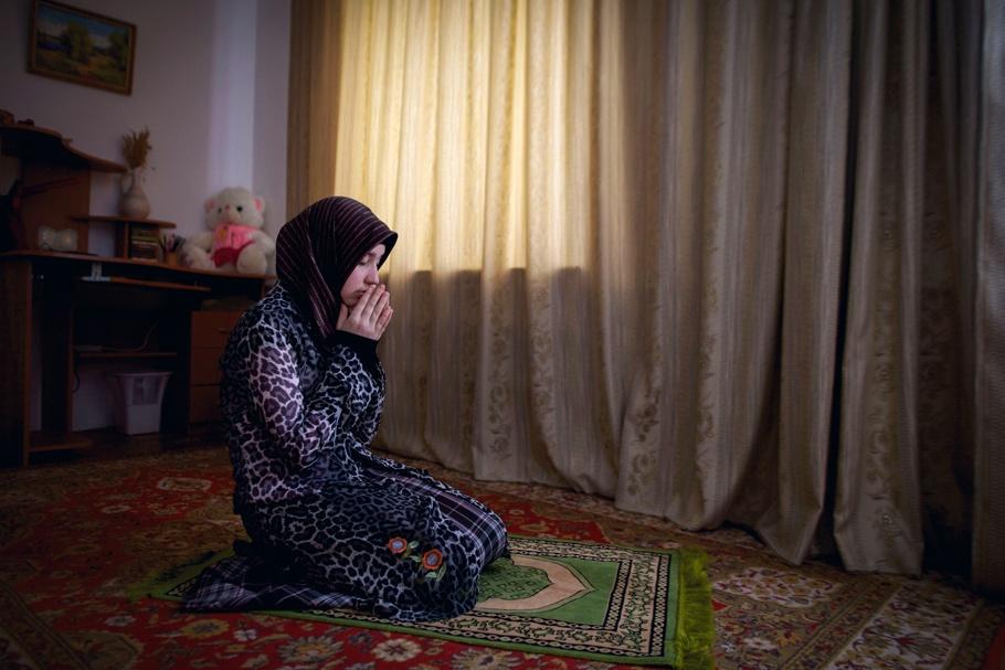 Muslim Girl Namaz Wallpaper Goodbye My Chechnya
