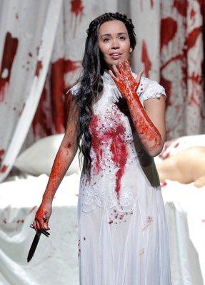 SF LUCIA (400) SIERRA KNIFE BLOOD