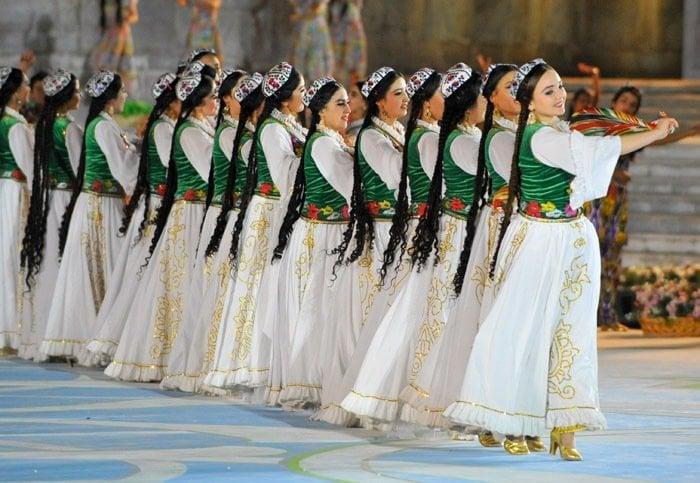 "international music festival sharq taronalari The eighth international festival ""sharq taronalari"" (oriental melodies) officially started in samarkand city, uzbekistan, on 26 august 2011."