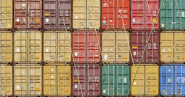 Exportaciones manufactureras de México sufren desplome histórico en abril