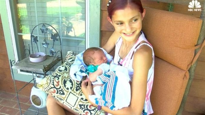 Cute Wallpapers For 12 Year Olds 12 Year Old Girl Helps Deliver Baby Brother