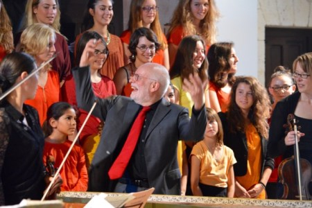 Ton Koopman led Junior Choir of Dordogne in Riberac last fall. Photo: Angela Allen.