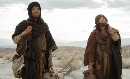 Ewan McGregor stars as 'Jesus' and Tye Sheridan as the 'Son' in the imagined chapter of Jesus' forty days of fasting and praying, LAST DAYS IN THE DESERT, a Broad Green Pictures release. Credit: François Duhamel / Broad Green Pictures