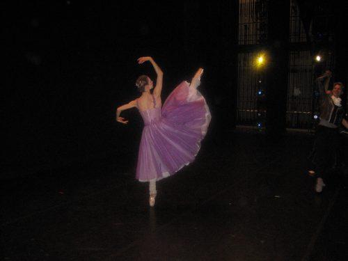 "Gavin Larsen in Jerome Robbins' ""In the Night"" for Oregon Ballet Theatre."