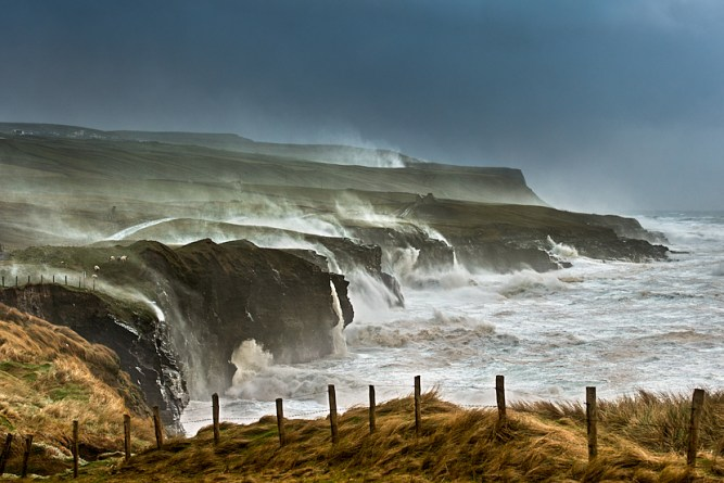 doolin_cliffs_giant_storm