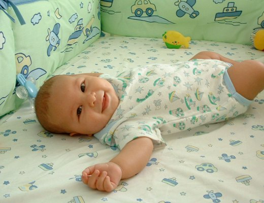 Organic baby bedding offers many benefits, including softer fibers and more durability.