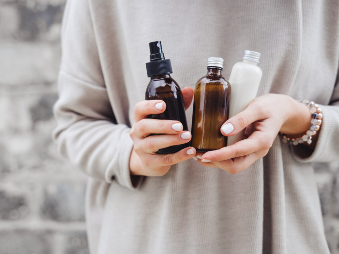 8 Impressive Thieves Essential Oil Benefits  Uses Organic Facts