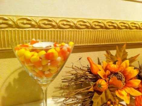 Simple-candy-corn-candles