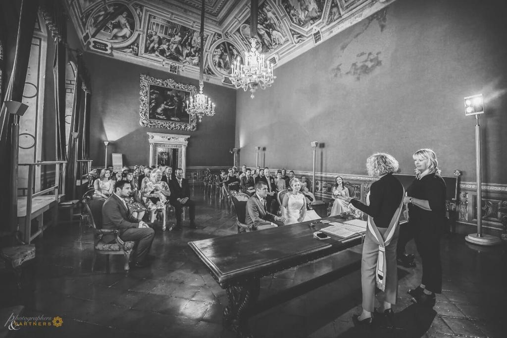 Emma & Alex decide to celebrate their civil ceremony in Siena's historical museum