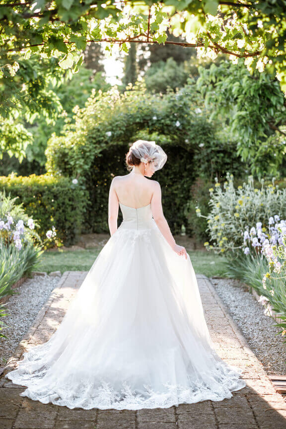 lovely bride tuscan wedding
