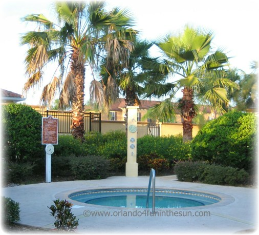 Regal_Palms_Outdoor_Jacuzzi
