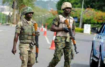 Nigeria warns of airport attack