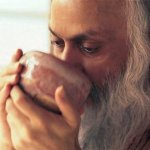 osho-drinking-from-cup