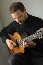 Osvaldo Gold, Classical Guitarist