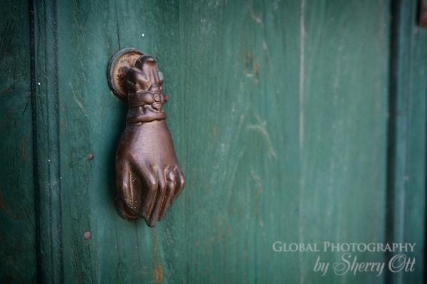 hand door knocker